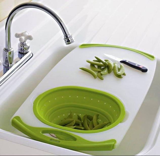 Rổ rửa kèm thớt là đồ dùng nhà bếp tiện ích