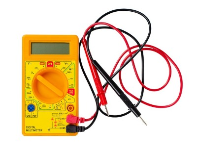 Electric multimeter that includes ammeter function to measure current