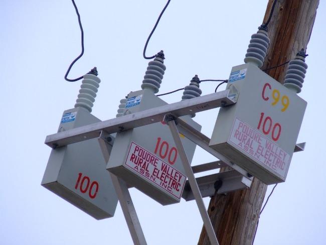 Capacitor bank on distribution pole
