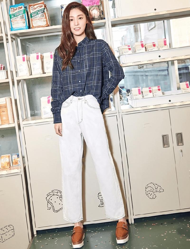 cách phối đồ quần jeans và áo sơ mi