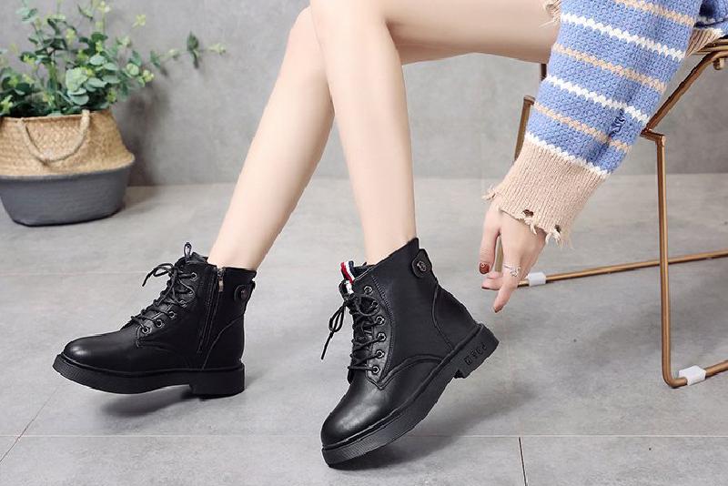 Top 7 mẫu giày boot nữ chất như nước cất 2