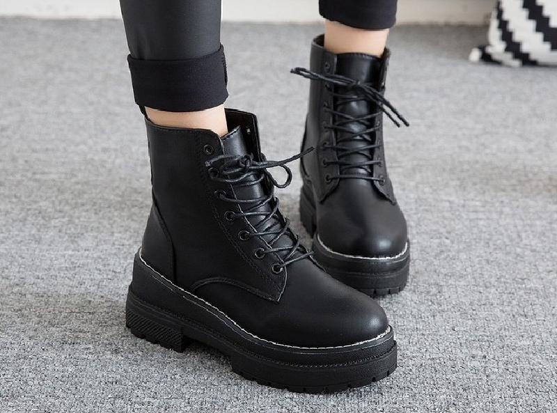 Top 7 mẫu giày boot nữ chất như nước cất 1
